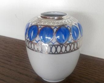 Bavarian Porcelain Modern Vase, Elegant Vintage Silver and Blue Abstract Garland Design, Made in Germany