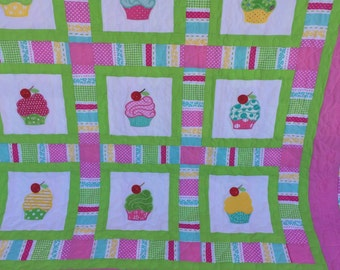 Baby Quilt, cupcake quilt, baby girl quilt, embroidery applique