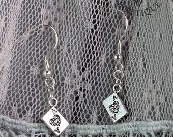 Ace of hearts, drop earrings in antique silver finish (Code ESP010)