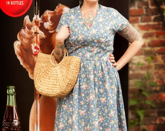 30% OFF/1940s printed dress/ Vintage reprodcution/historiacl reproduction/WWII dress