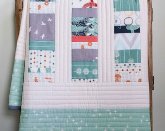 Modern Quilt for Baby or Toddler; Modern Handmade Baby Crib Quilt; Organic Baby Quilt, Baby Shower Gift New Mom, Eco Friendly Gift Baby Girl