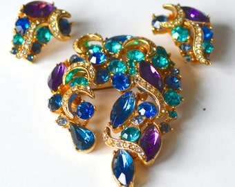 Brooch and Earrings Set 1950s Signed SPHINX - Large Peacock Blue Purple Gold Tone Setting with Matching Clip On Earrings - Gift Boxed