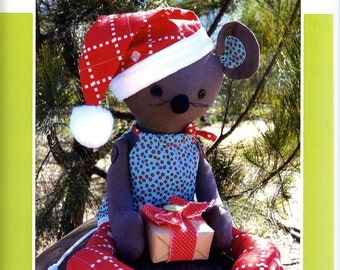 """Melly and Me M118 Merry Mouse Christmas Stuffed Animal Doll Button Jointed 20"""" Tall Uncut Sewing Pattern"""