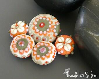 Handmade lampwork beads  set     Kissing Me Softly     artisan glass      lentils        made by Silke Buechler