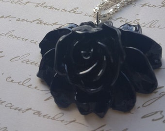 Black Black Rose Pendant Necklace.