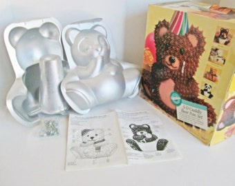 Wilton Cuddly Bear 3D Cake Pan Kids Birthday Cake Decorating Stand Up Bear Vintage 1993 Baking Aluminum Childrens Party Cake