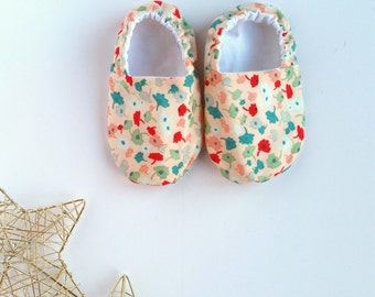 Reversible Baby Shoes, Femme Floral