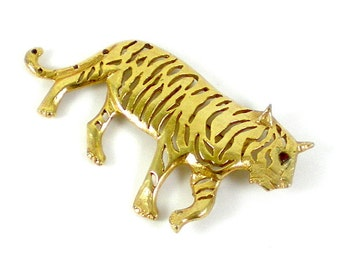 Tiger Brooch Pin - Wild Cat Brooch - Gold Metal Brooch - Vintage Jewelry