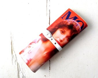 Vintage Magazine Purse / 70s Bag / Magazine Clutch / 1970s Purse / Modoni