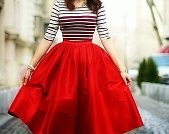 Miss Cynthia's Day skirt ~ Taffeta skirt with Pleated waistline ~ pockets at side seam ~ fully lined