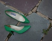 1980s Shoes  Kelly Green Leather Pumps Heels   Size 10