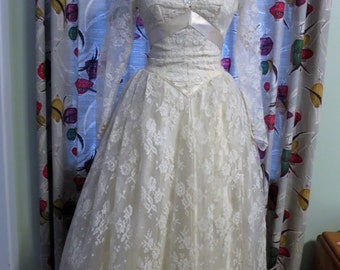 1950s Lace Wedding gown - Tea (ballerina) length with long sleeves