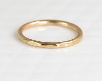 14k Gold Hammered Band // 1.5mm Round Band Stacking Ring // Gold Wedding Ring Available in 14k Yellow, 14k White, or 14k Rose Gold
