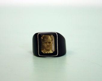 Vintage 1940s Bakelite/Celluloid Prison/ Mourning Ring
