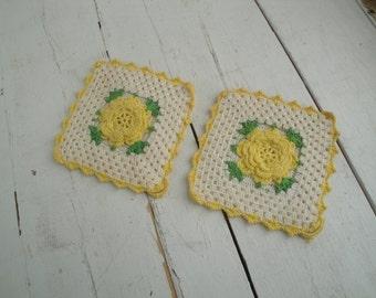 Vintage Pot Holder Crochet Yellow Flowers Set of 2