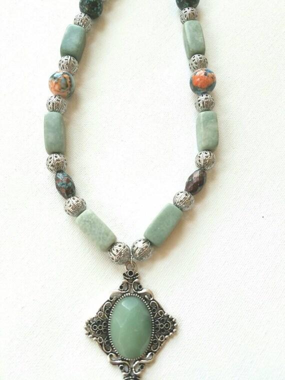 Boho necklace, boho green necklace, hippie beaded necklace, green stone necklace, green marble necklace, green pendant necklace