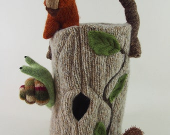 Waldorf toy bag, an awesome spot for little critters
