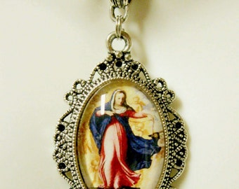 Assumption of Mary pendant with chain - AP04--292