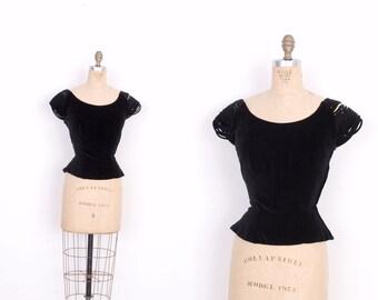 Vintage 1950s Blouse / 50s Velvet Fitted Top / Black (small S)