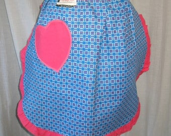 Vintage 1960s Half Apron Pink Heart shaped pocket NWT Deadstock