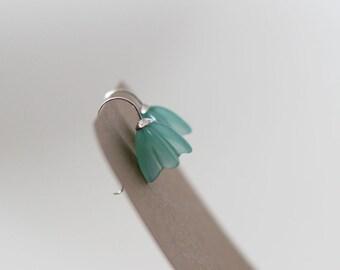 Aqua blue flower earrings, glass flower earring, aqua flower earrings, blue flower earrings, sea glass flowers