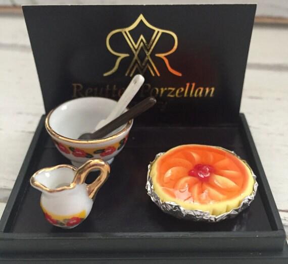 Miniature Porcelain Peach Pie Set by Reutter, Dollhouse Miniatures, 1:12 Scale, Dollhouse Food, Miniature Food, Dollhouse Kitchen Accessory