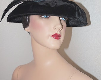 Vintage 1950s 1960s Hat / 50s 60s Black Velvet Brim Hat with Rhinestone and Feather Accent
