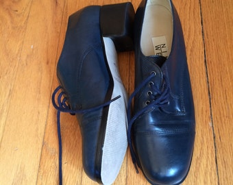 WEEKEND SALE ! 90's vintage chunky block heel / blue leather oxfords / womens shoe / back to college /lace up shoe / Nine West