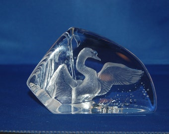 Swedish artist Mats Jonasson exquisite Maleras Crystal etched SWAN Wetlands Wildlife Series Paperweight / Sculpture ~ # 3704 ~ 4th of 42