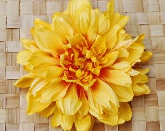 Beautiful yellow orange dahlia hairflower pin up vintage rockabilly style 40s 50s fascinator hair piece