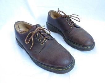 DOC MARTIN ORIGINAL Men Size 8 Women Size 10 Brown Leather Round Toe Oxfords