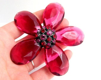 Vintage Rich Raspberry Red Flower Brooch - Faceted Lucite - BIG - 3 1/2""