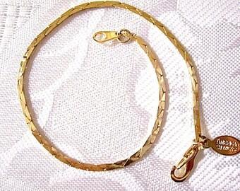 American Showcase Cobra Chain Bracelet Gold Tone Vintage Flat Weaved