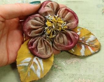 Authentic antique tinsel millinery flower trim 1920 era flapper cloche edwardian hat plum shade stamen center cloche hat