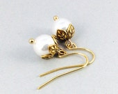 Pearl Earrings In Gold With Flower Beadcaps And White Swarovski Crystal Pear