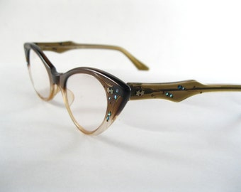 Cute cat eye glasses. vintage brown plastic frames with AB rhinestones, stars. 1950's eyewear. size 44-21 made in USA.