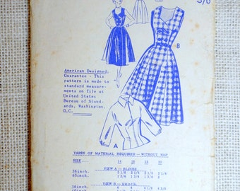 Vintage Pattern Paulette 818 New Zealand Sewing pattern 1950s full skirt double breasted jumper dress Bust 34 Rockabilly Gored blouse