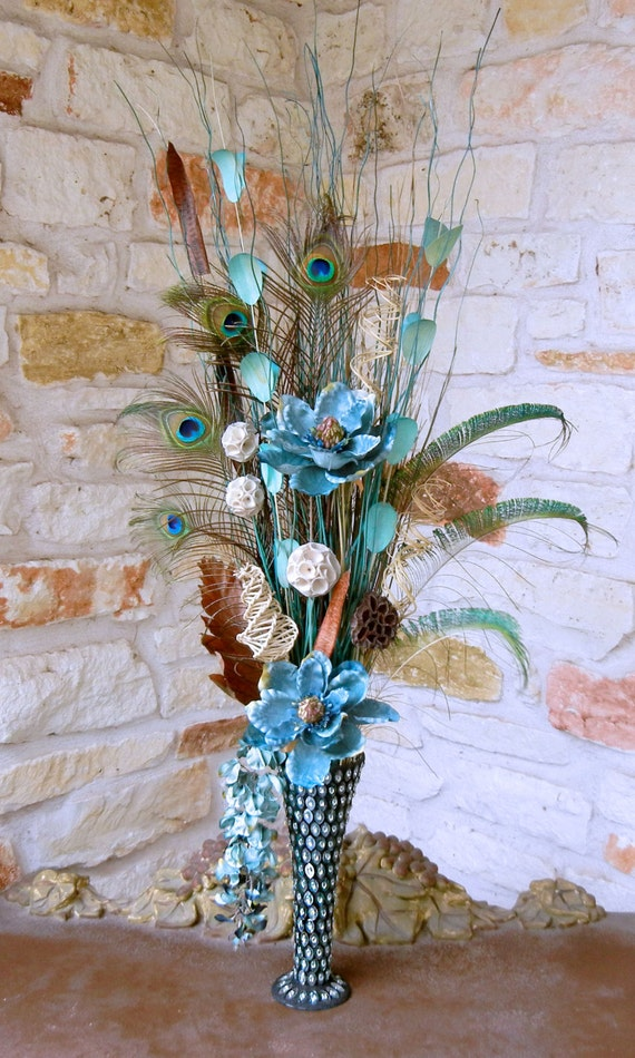 New large peacock feather floral arrangement with blue flowers in fluted vase ebay - Great decorative flower vase designs ...