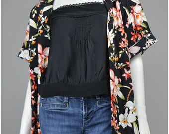 Vintage Hawaiian Shirt 80s Blouse Black Floral Blouse Floral Print Tropical Shirt Oversize Shirt Womens 1980s Shirt Hawaiian Blouse (L/XL)
