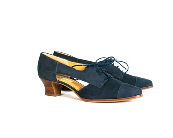 Vintage 80's Navy Blue Linen and Suede Lace Up Heels Women's Size 7 1/2 US Made by Nicole