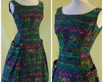 Stunning 1950s 60s Day Dress / Novelty Abstract Graphic Print / Princess Seams / Italian Design / S Small / Petite
