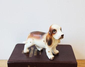 Vintage Napco basset hound figurine 9051 - satin porcelain dog with big basset eyes - vintage dog decor - get your basset on
