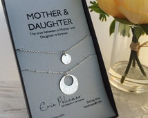 Mother Daughter Necklace. Gift for Mom. Weddings Mother of Bride Gift. Bridal Party. Birthday Mom Daughter. Mommy and Me Matching Jewelry