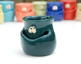 THE GRINNIN' IDGIT - teal green - a Very Silly Egg Separator for the Cook Who Has Everything