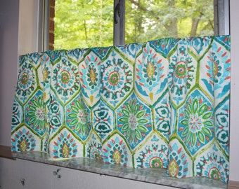 Cafe Curtains . P.  Kaufmann Indoor/Outdooor Summer Breeze Poolside .by Pretty Little Valances