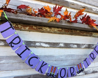 Halloween Banner, Halloween Trick Or Treat Banner, Halloween Party Decoration, Halloween Mantle, Witches Feet Decoration