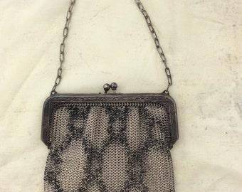 ADORABLE Metal Mesh FLAPPER purse from the 1920s! Looks like snake skin! Whiting Davis designer
