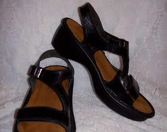 Vintage Ladies Black Leather Sandals by NAOT Made in Israel Size 37 Only 10 USD