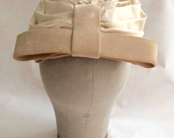 Vintage 1950s 60s Women's Ivory and Tan Taffeta Hat