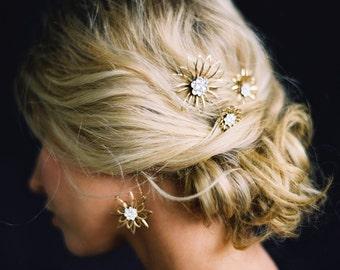 Bridal Jewelry, Flower Drop Earrings, Gold Floral Earrings, Golden Daisy Earrings -Style 0116